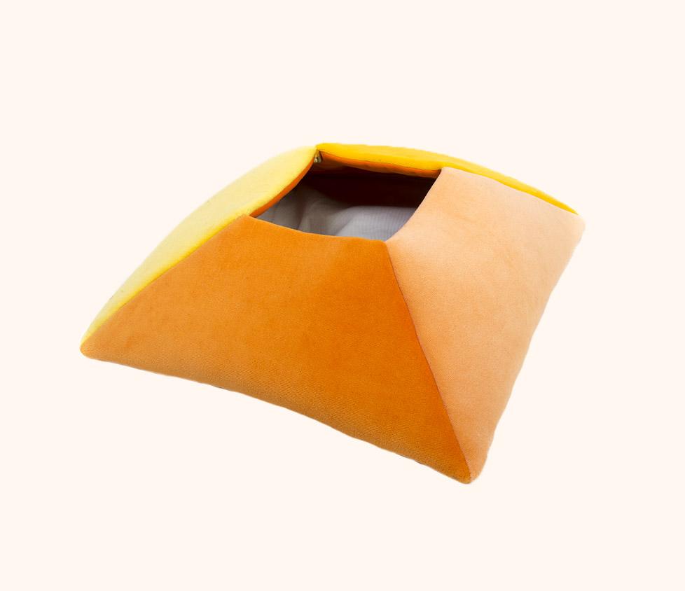 Hranatý kapsář žlutý Tojatoy